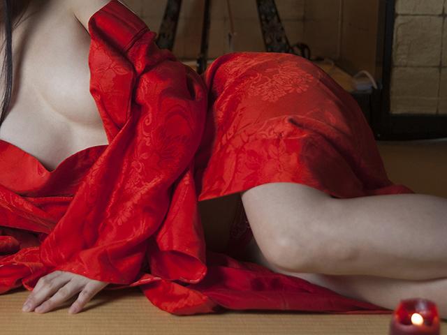 長月タケオ選「中高年の性告白」第50回 東京都在住N・Iさん(82歳)の告白【3人の芸者に嬲られた温泉宿の思い出】