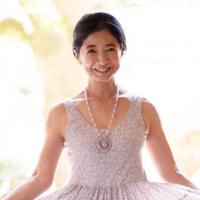 宮崎美子61歳「不滅のボイン」私生活!クイズ女王の今も「絶品ボディ」は健在!