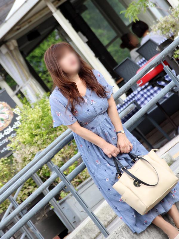 フーゾク嬢厳選図鑑~昼顔妻 ミセス白書~ゆきのさん【大阪】