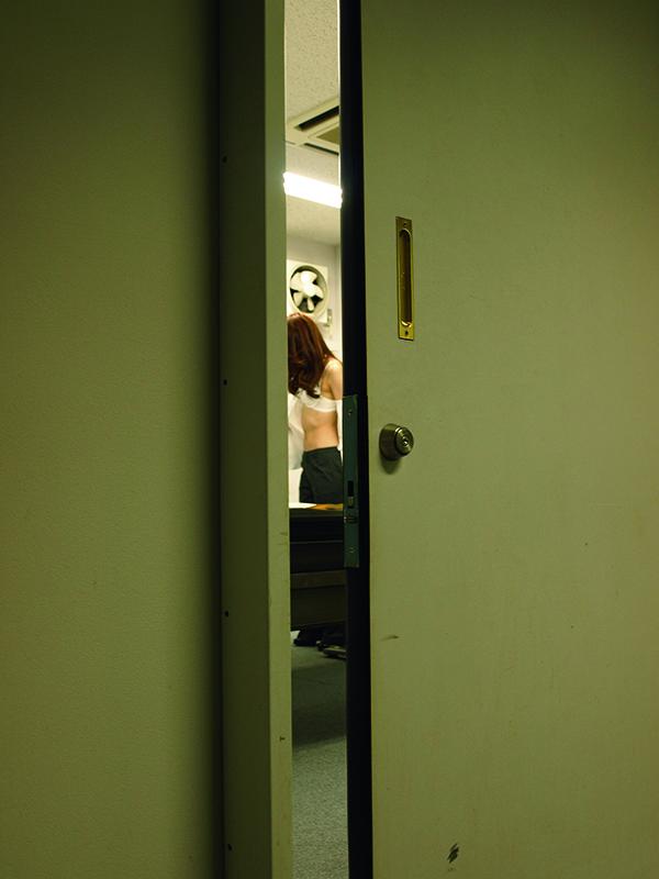 第84回「会議室で秘密の生着替え」
