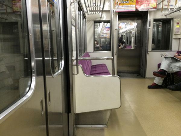 女性が電車内で放尿行為…「AVゲリラ撮影」で逮捕者