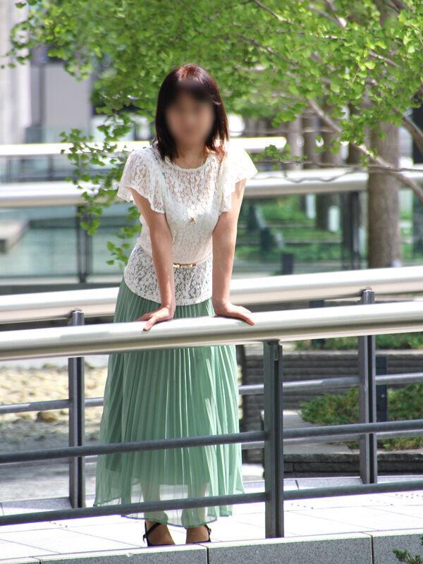 フーゾク嬢厳選図鑑~昼顔妻ミセス白書~めぐさん【大阪府】