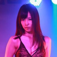 妖艶「超お嬢様ストリッパー」が舞い踊る!